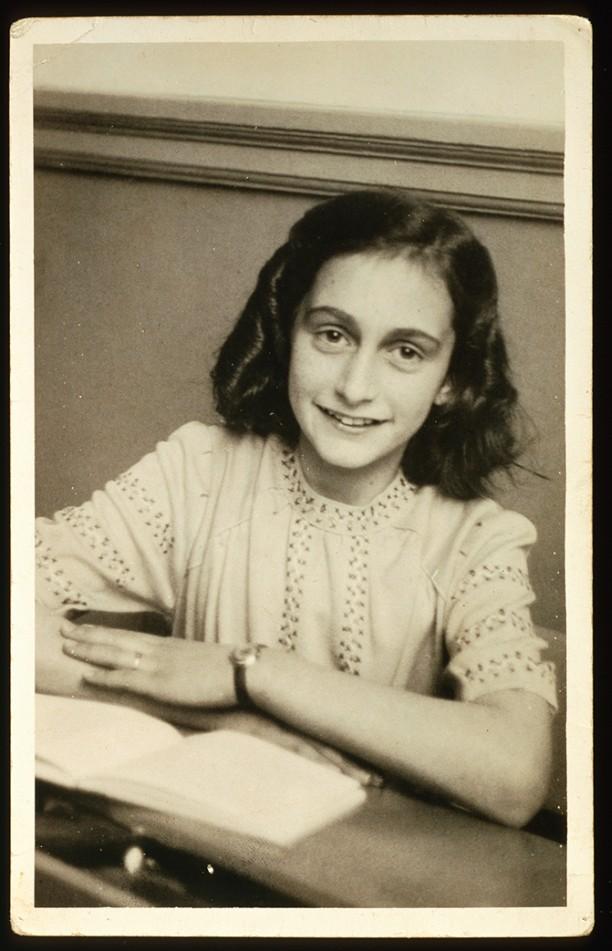 1942-anne-frank