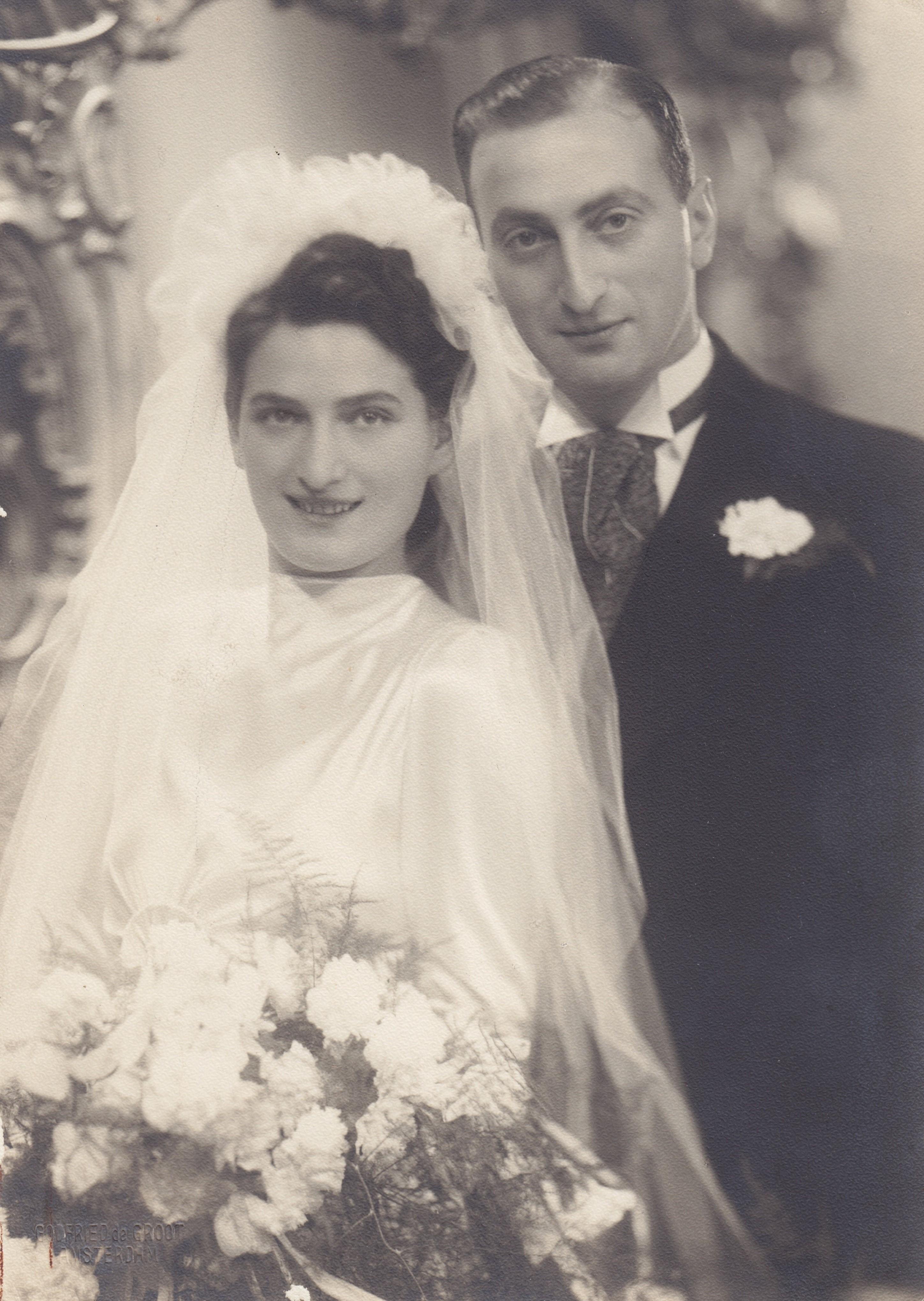 2-Huwelijksfoto Mimi Dwinger en Barend Boers (2). Foto via hun kinderen