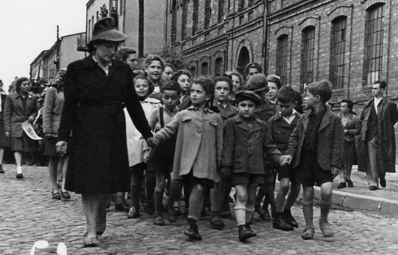 Jonge Holocaustoverlevenden in 1945