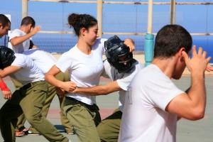 IDF soldaten beoefenen krav maga. Foto: Flash90