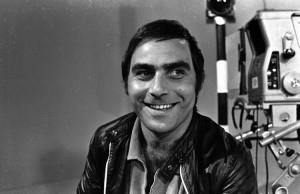Ralph Inbar tijdens de opnames voor Oelpan agol, een van de eerste entertainmentprogramma's op de Israëlische televisie, november 1968