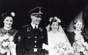 Heerema in SS-uniform op zijn huwelijksdag, december 1942. Foto: Wikimedia Commons